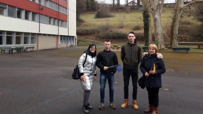 Lycée La Cardinière Délégation lituanienne.jpg